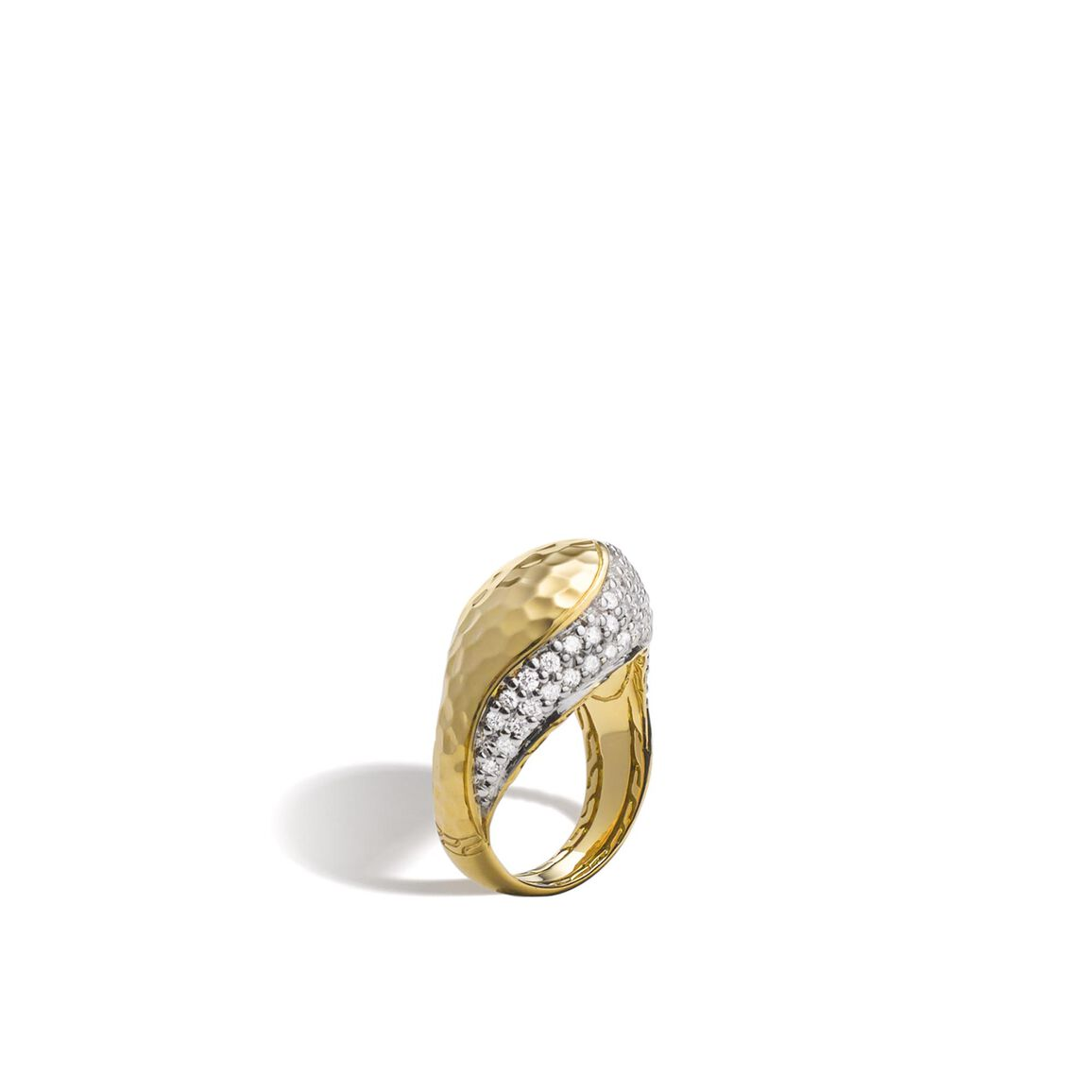 Classic Chain Ring in Hammered 18K Gold with Diamonds