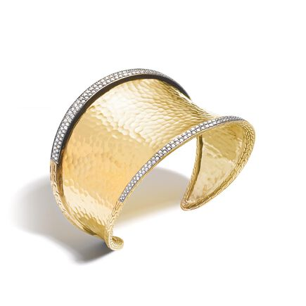 Classic Chain 45.5MM Cuff in Hammered 18K Gold with Diamonds