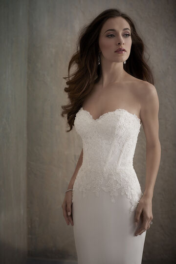 Sweetheart Lace Applique Bodice with Tiered Lace Hem - 31016