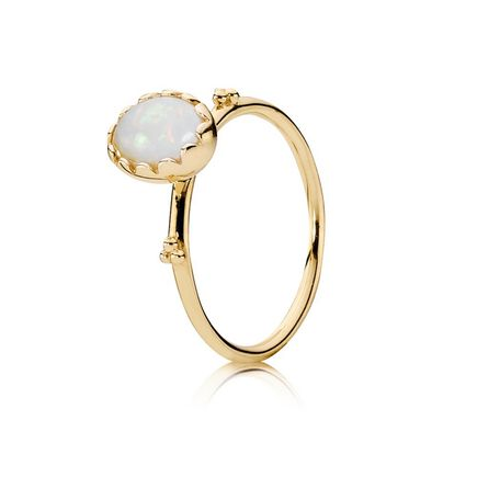Gold ring, white opal