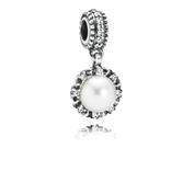 Grâce éternelle, perle blanche et cz incolore