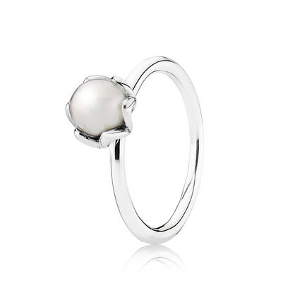 Silver ring with white freshwater cultured pearl