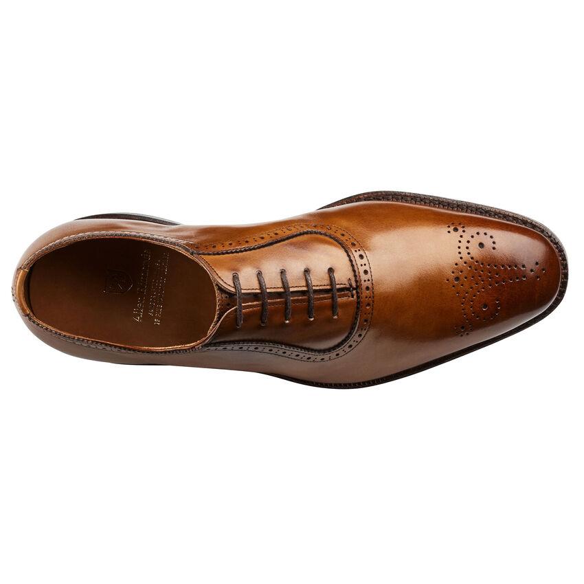 allenedmonds_shoes_cornwallis_1055_walnut_top.jpg?sw=850&sh=850&sm=fit