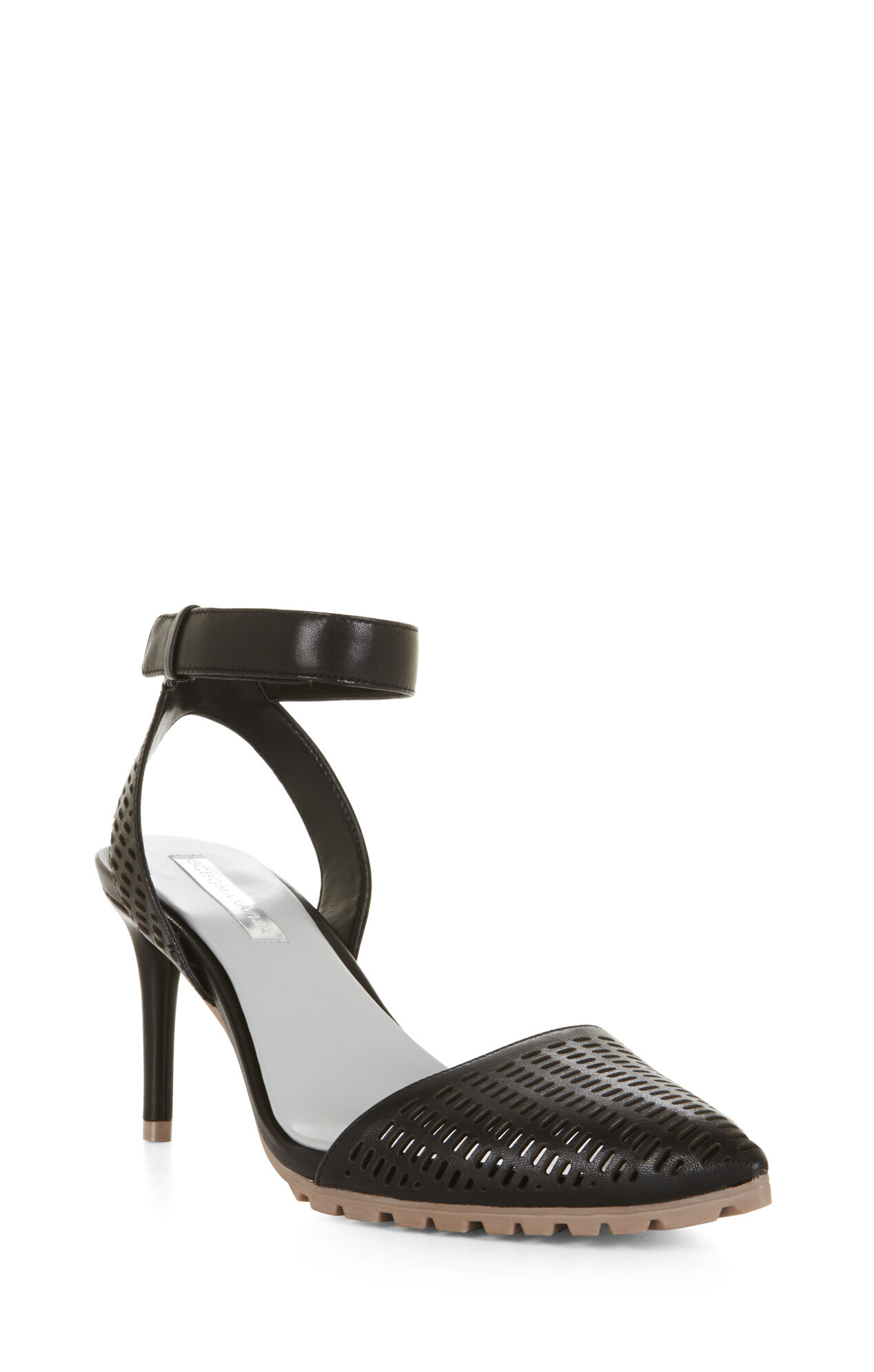Coll Pointy-Toe Day Pump