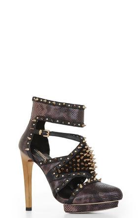 Hersh Spiked Cutout Shoe