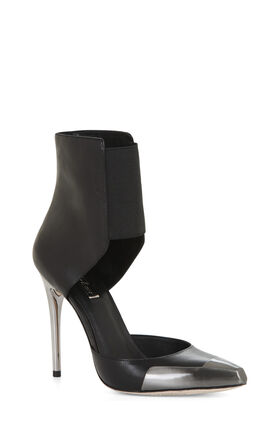 Runway Zurich Toe-Cap Ankle-Strap Pump