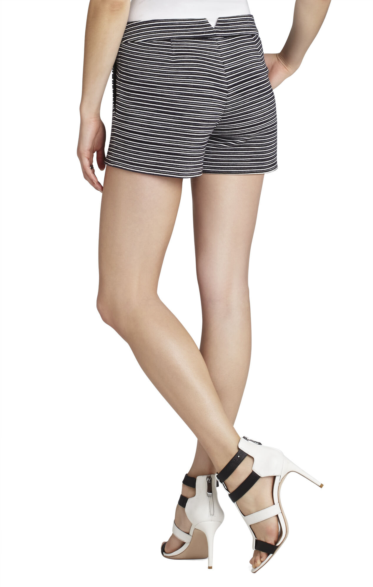 Pia Casual Short