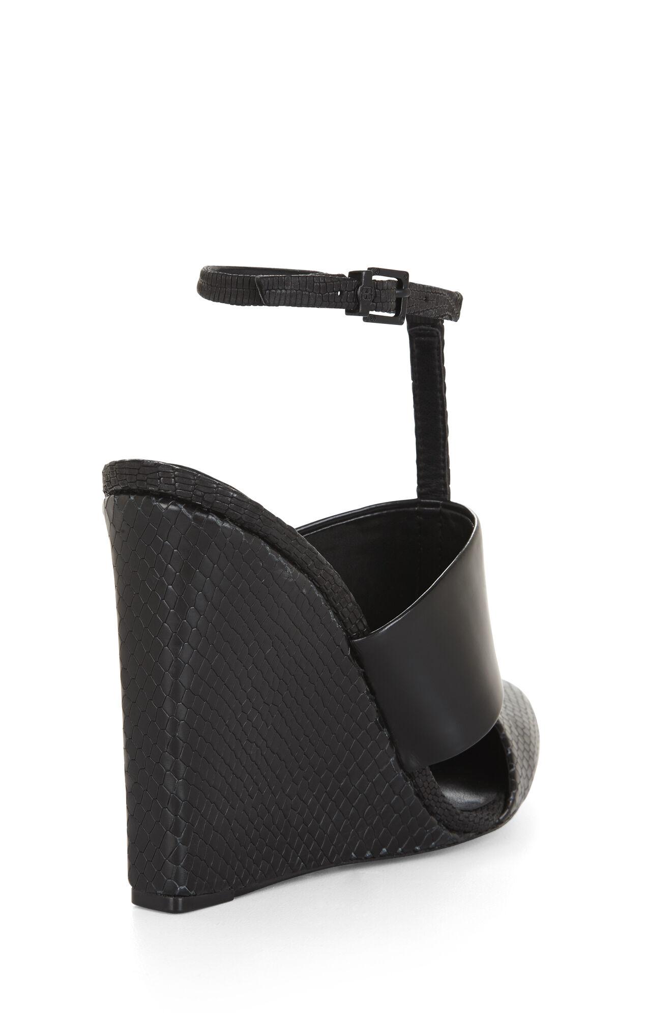 Lister Textured Wedge Sandal
