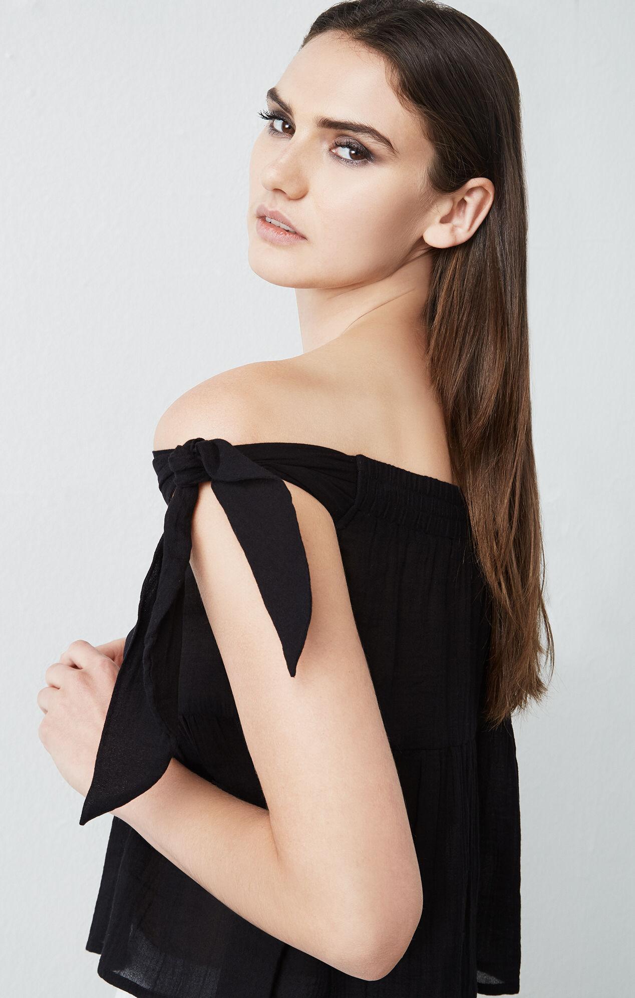 Carolyn Off-The-Shoulder Top