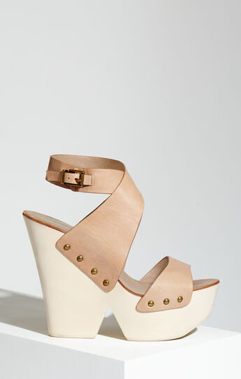 Jenessa Platform Wedge Leather Sandal