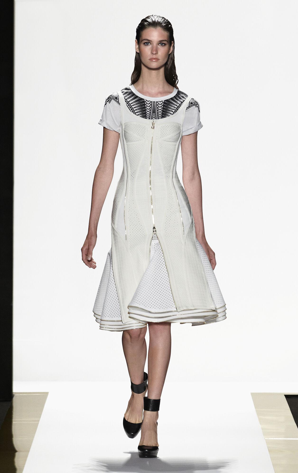 Nikola Diamond-Eyelet Zipper-Detailed Skirt