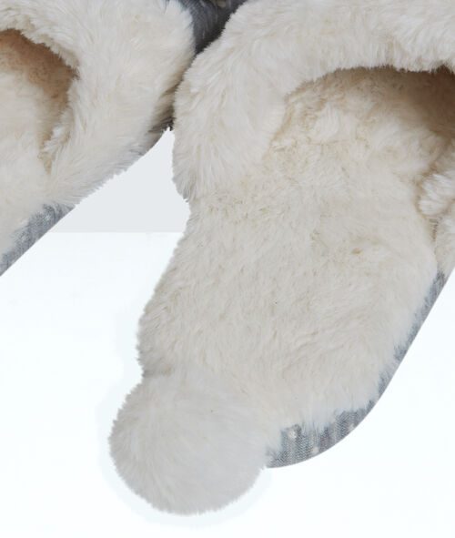 Bear slippers;${refinementColor}