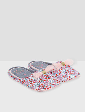 Floral print slippers orange.