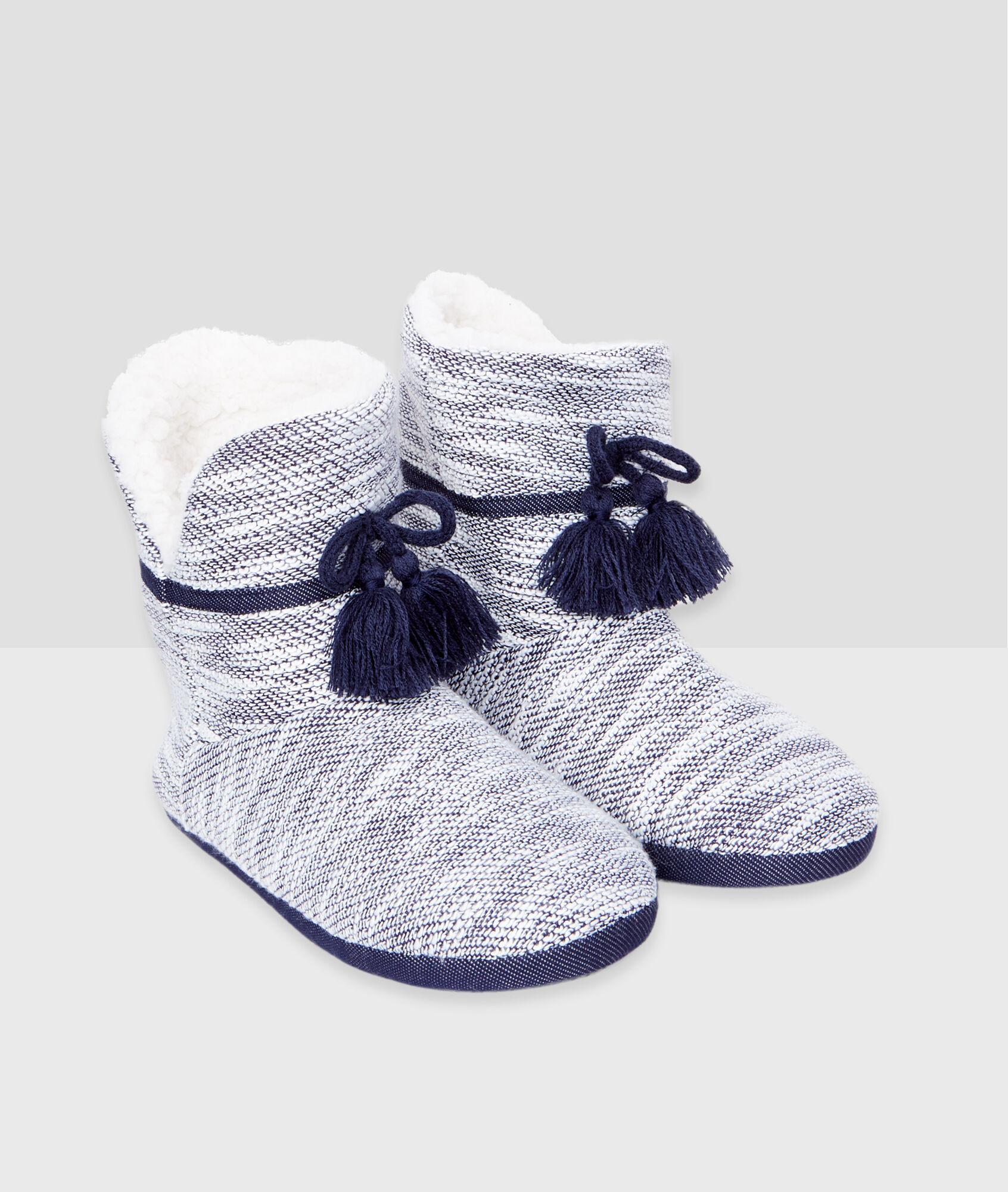 Botines jaspeados con pompones jordan c gris etam - Pompones para zapatillas ...