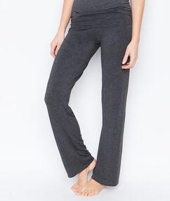 Lejące spodnie z wiskozy gris.