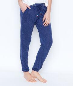 Pantalón jaspeado azul.