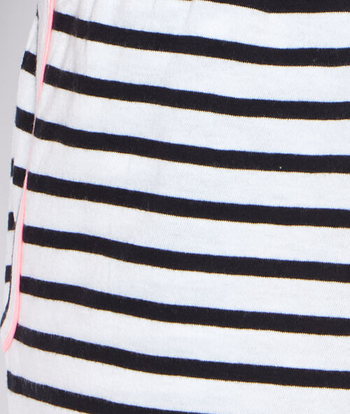 Striped short;${refinementColor}