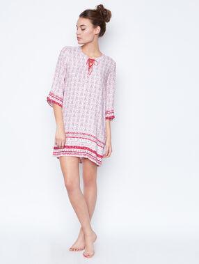 Chemise de nuit imprimée foulard rose.