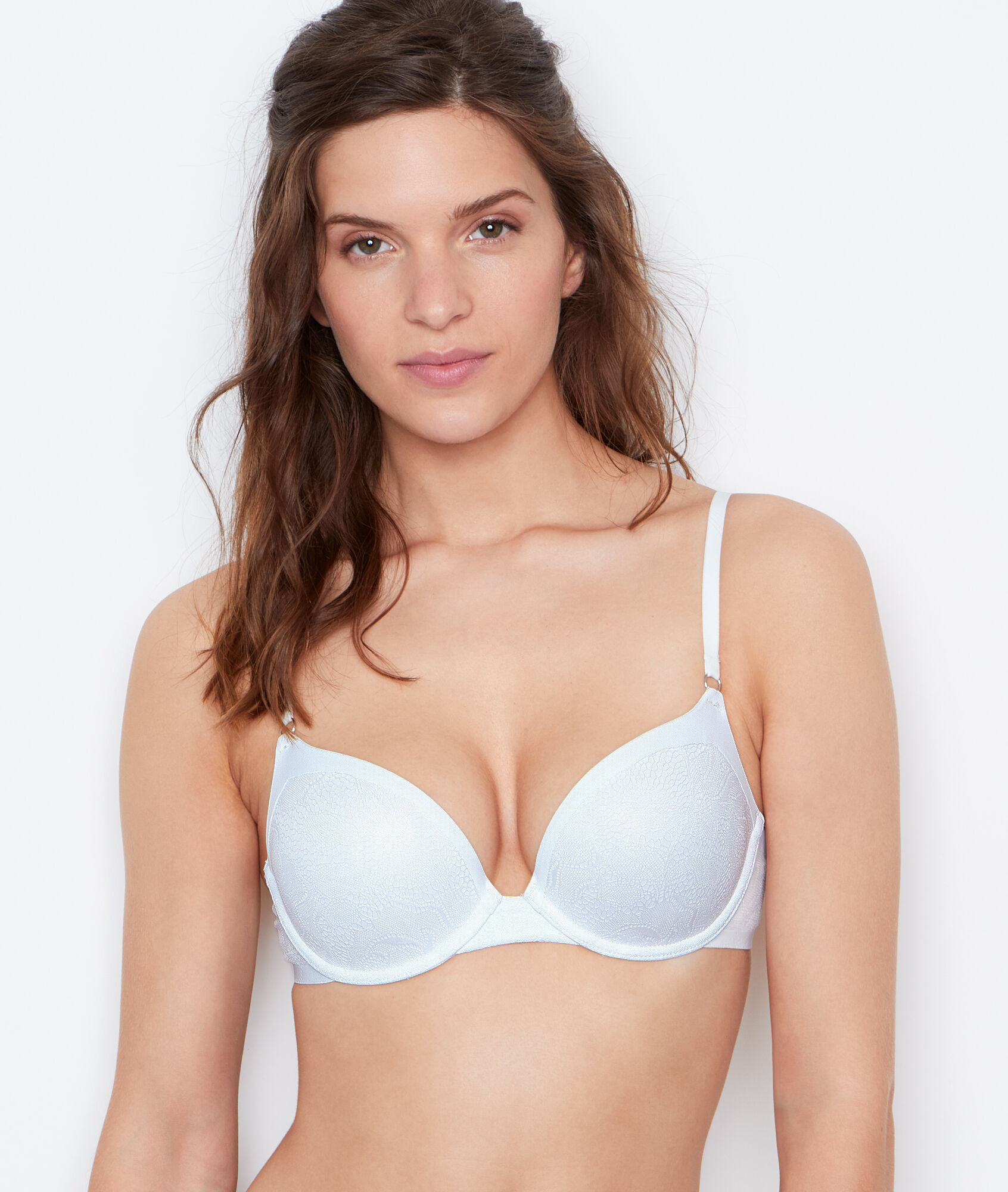 Victoria's Secret The Incredible Lightweight Max by Victoria Sport Front-close Sport Bra. $ $ Love It BRAS(CLEARANCE/BRAS) Victoria Sport The Incredible Lightweight Max by Victoria Sport Bra Quick View Quick View. Victoria Sport The Incredible Lightweight Max by Victoria Sport Bra.