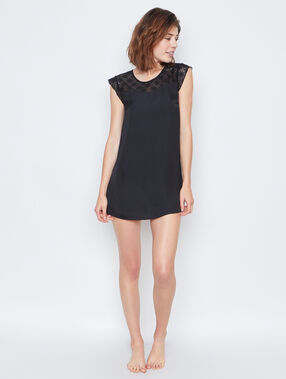 Nightdress black.