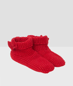 Bottes tricot rouge.