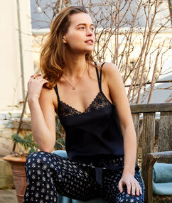 Lace pyjama top black.