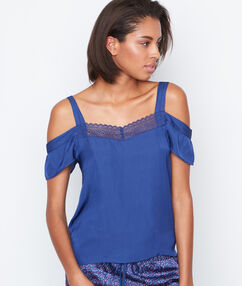 T-shirt épaules dénudées bleu.
