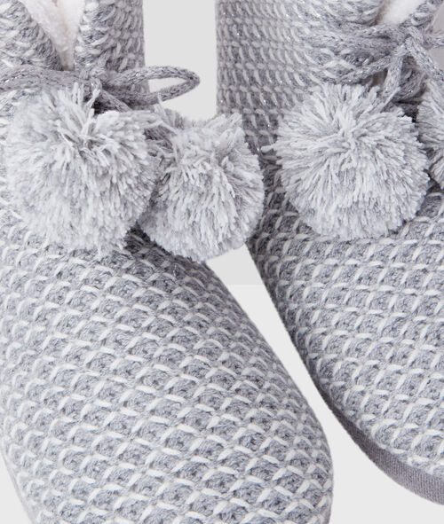 Knit boots with pompoms;${refinementColor}
