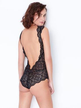 Body dentelle géométrique et tulle noir.