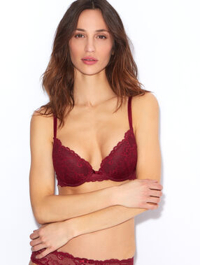 Lace push up bra red.
