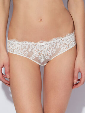 Shorty en dentelle et satin ecru.