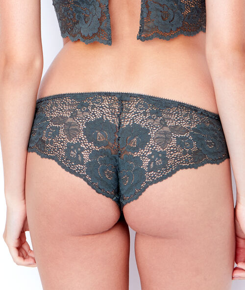 LACE SHORTY