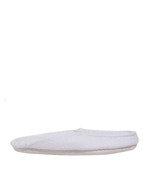 Zapatillas estampado relieve;${refinementColor}