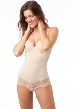 Body nude.