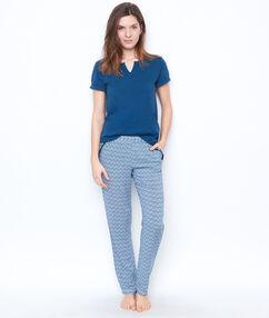 Camiseta escote tunecino azul.