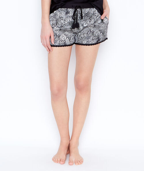 Short estampado de satén