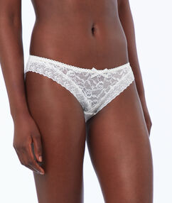 Lace knickers off white.