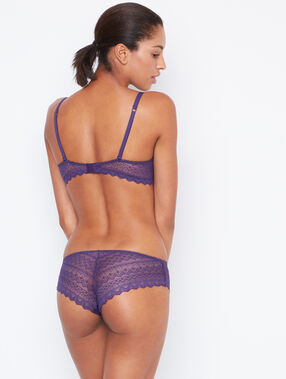 Shorty dentelle violet.