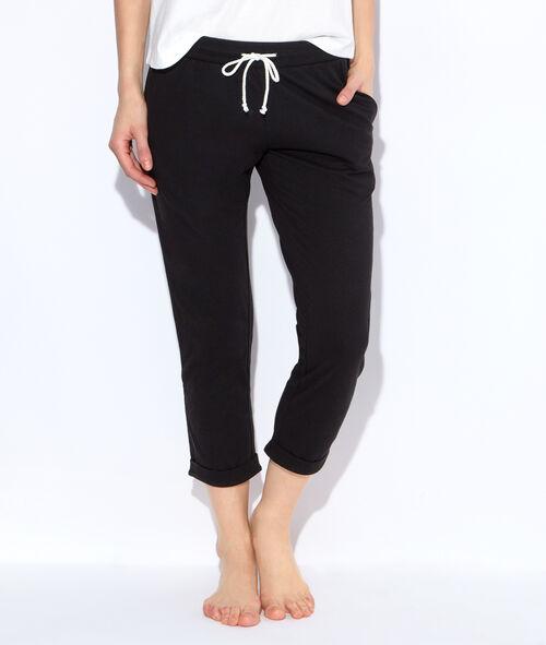 Pantalon, détail revers à rayures