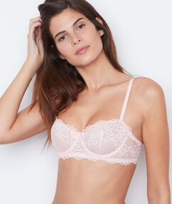 Lace demi cup pink.