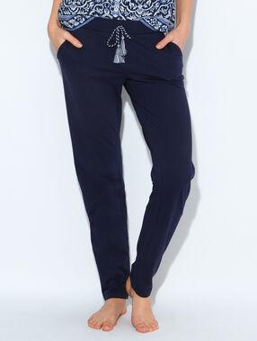 Pantalon, détail ceinture à pompons bleu marine.