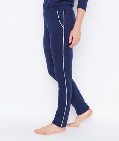 Pantalón jogging azul marino.
