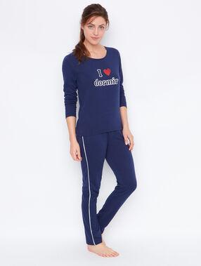 Camiseta manga larga con mensaje azul marino.