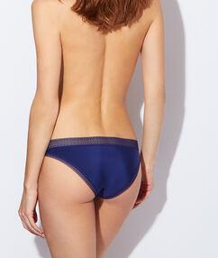 Culotte micro et dentelle, effet seconde peau bleu marine.