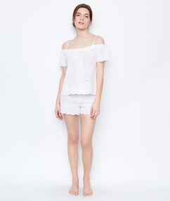 Short blanc.