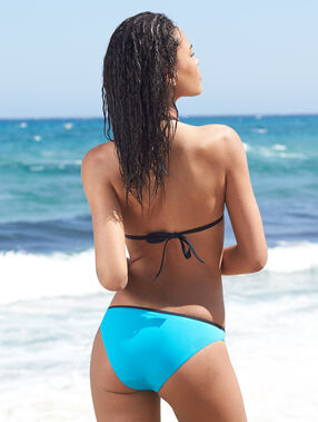 Haut de maillot de bain triangle push up drapé bleu.