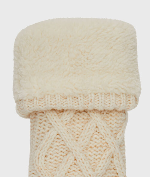 Knitted homesocks with faux fur lined;${refinementColor}