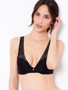 Lace triangle bra, push up black.