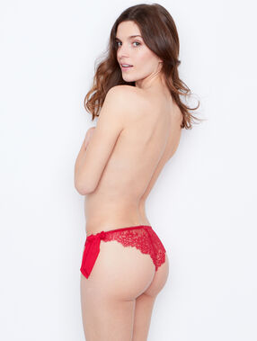 Lace knickers red.