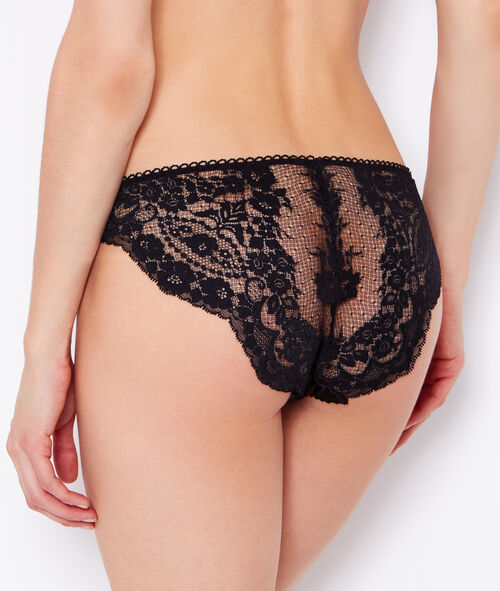 Lace and satin knickers;${refinementColor}